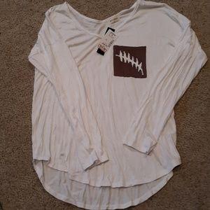 Free kisses long sleeve shirt